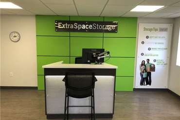 Extra Space Storage - Self-Storage Unit in Farmington, CT