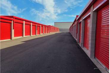Extra Space Storage - Self-Storage Unit in North Haven, CT